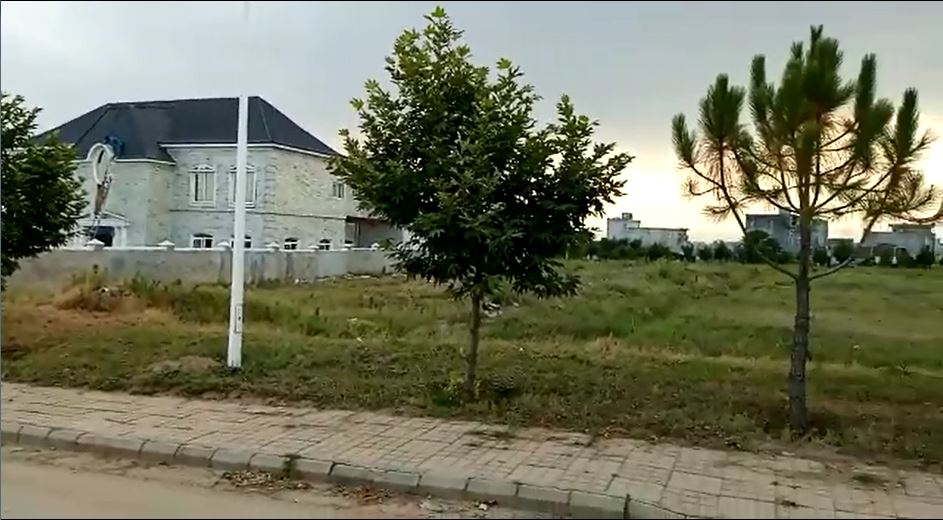 Farm House Land for Sale in Gulberg Greens Islamabad